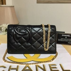 CHANEL Quilted Leather Wallet/Crossbody Bag 💼